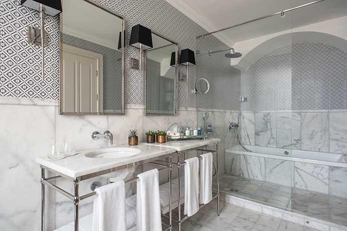 אמבטיה- סוויטות